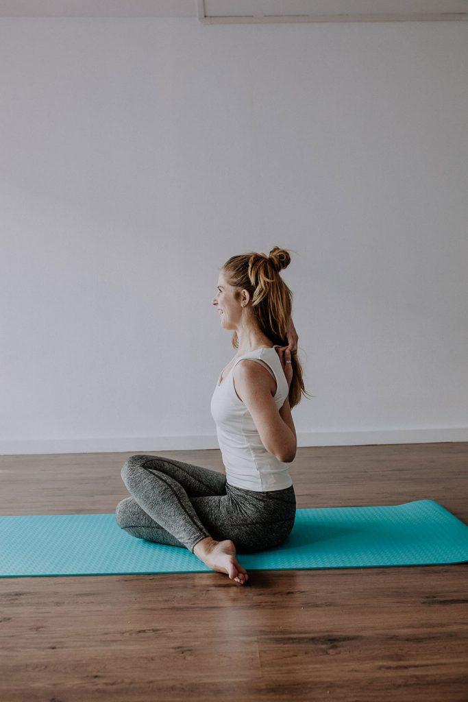 Yoga teacher: Eleonor